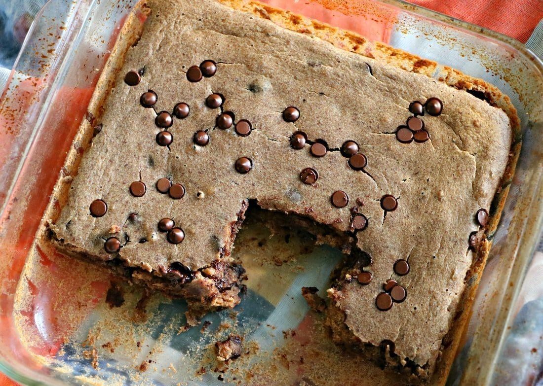 CHOCOLATE COOKIE BARS IN GLASS PAN