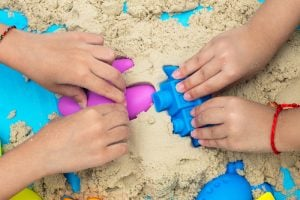 KINETIC SAND/MOON SAND/SENSORY ACTIVITIES FOR TODDLERS