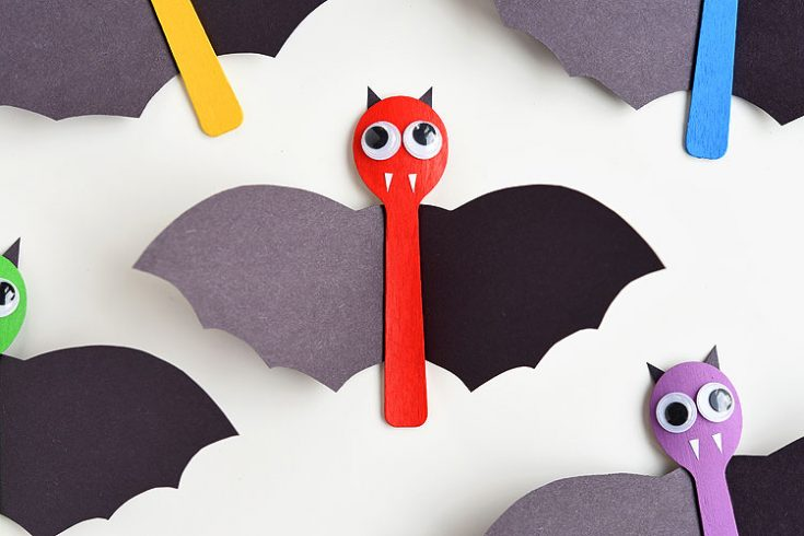 Wooden Spoon Bat Craft for Halloween