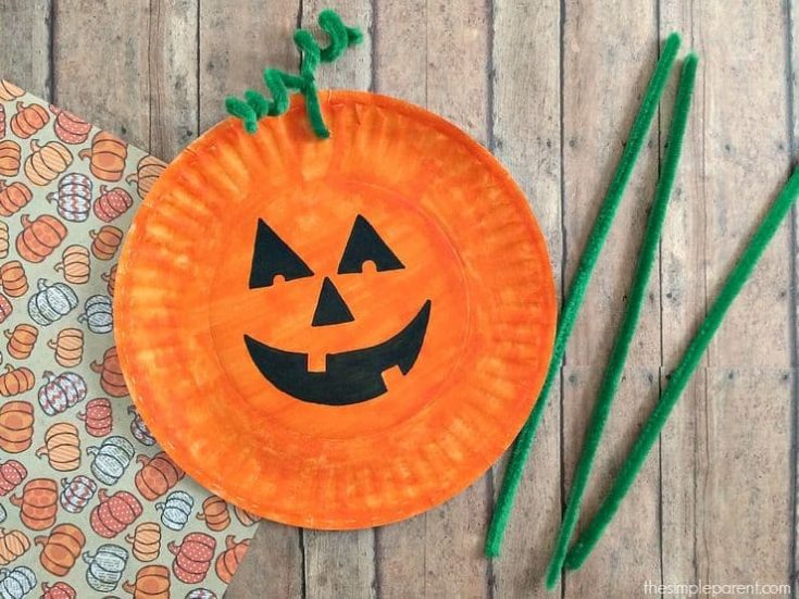 Easiest Paper Plate Pumpkin Craft!
