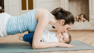 How To Lose Weight While Breastfeeding (safely and without affecting your milk supply!)