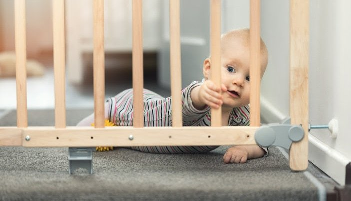 best baby gate for top of stairs